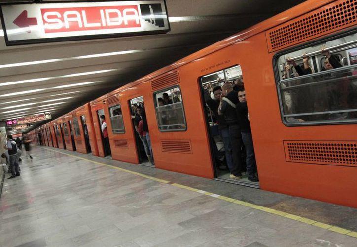 El Metro cumple este 4 de septiembre 46 años de mejorar la movilidad en el Distrito Federal. En la imagen, una estación de la Línea uno. (Notimex)