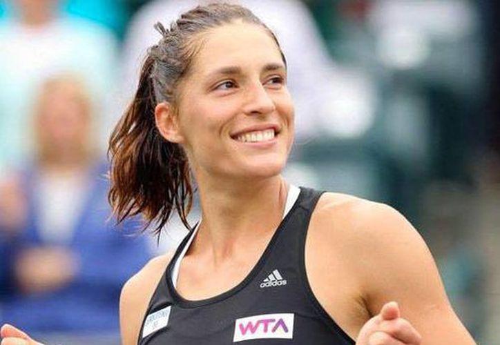 Andrea Petrovic perdió la cabeza durante un torneo en Dubái, y lanzó la raqueta contra el juez. La imagen es de archivo. (Twitter @WTA)