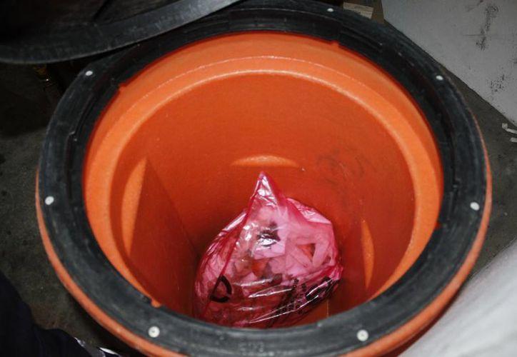 Los medicamentos caducos deben ser depositados en contenedores especiales. (Sergio Orozco/SIPSE)