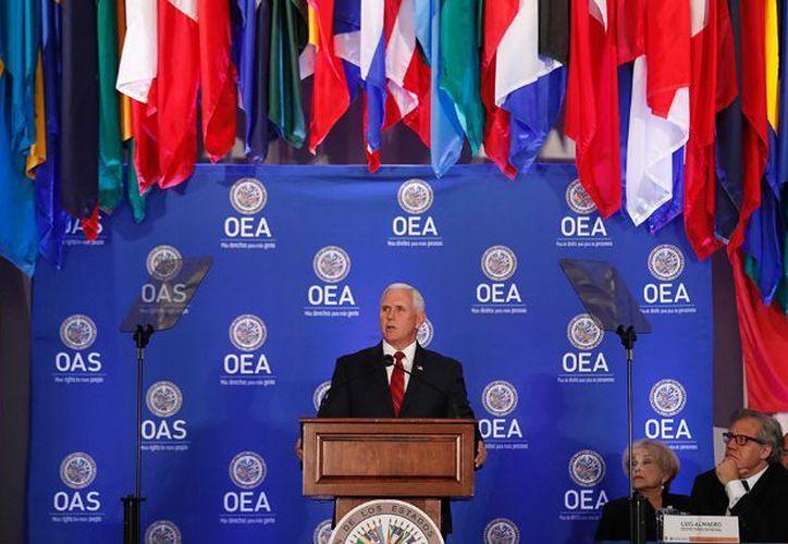 Pence habló en una sesión protocolar especial del Consejo Permanente de la Organización de Estados Americanos. (AFP)