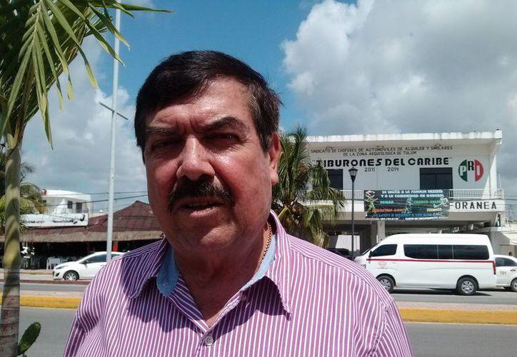 Donato Castro Martínez, dirigente taxista, informó ayer que el secretario de actas y acuerdos renunció por motivos de salud. (Rossy López/SIPSE)