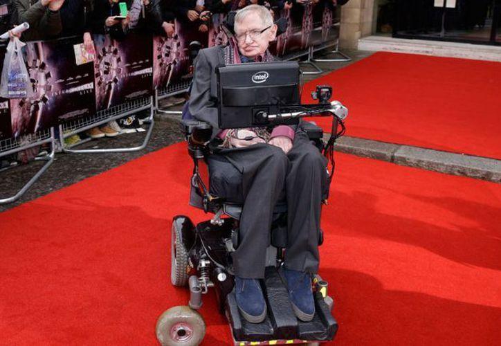 Stephen Hawking falleció en paz, en su casa, 55 años después de que fuera diagnosticado con esclerosis lateral amiotrófica. (AP)