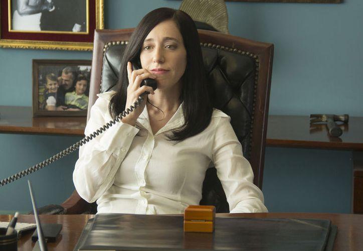 Isabel Iglesias, protagonista de Club de Cuervos, junto a otros personajes realizaron un video en el que se pronuncian no disponibles.(Netflix)