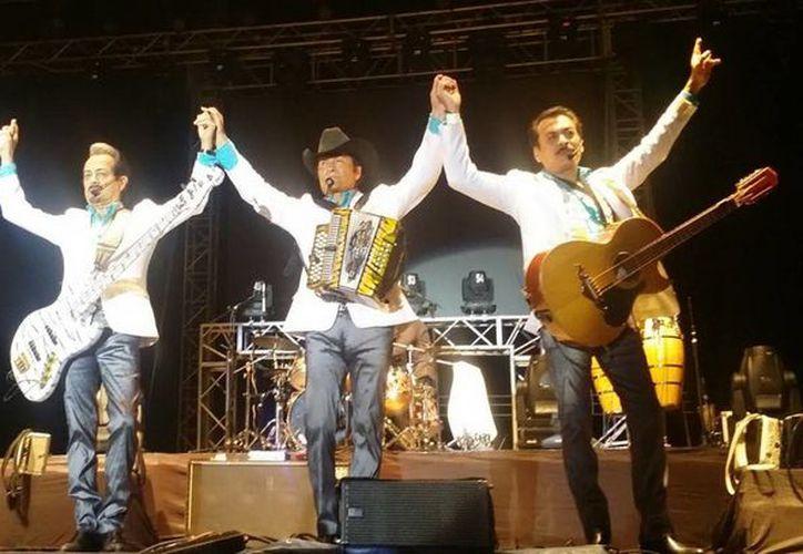 En los próximos días el grupo Los Tigres del Norte se trasladará a Miami para realizar un 'tour'. (Foto de archivo de Notimex)