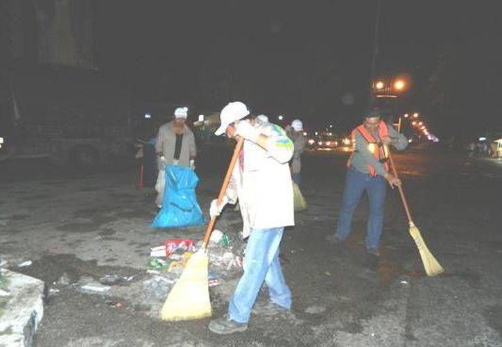 Se han barrido 54 mil 550 m2 de calles desde el primer día de Carnaval. (Cortesía)