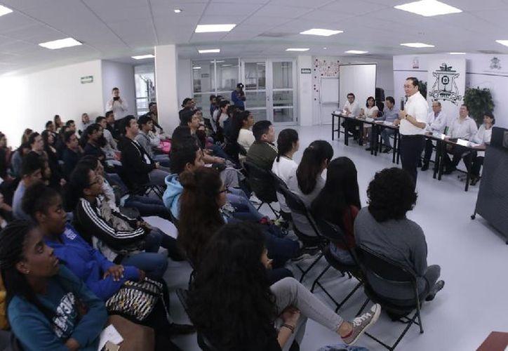 Los alumnos de nuevo ingreso son de Belice, de la Isla de Santa Lucía y de Quintana Roo. (Joel Zamora/SIPSE)