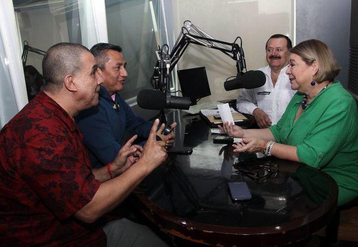 Los invitados a la emisión radiofónica compartieron sus experiencias. (Milenio Novedades)
