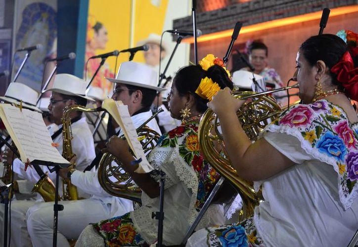 La música marcó el inició de la Semana de Yucatán (Foto: Daniel Sandoval/Enviado)