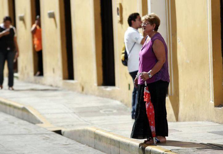 Las autoridades recomiendan estar preparados ante posibles aguaceros desde este lunes. (Christian  Ayala/SIPSE)