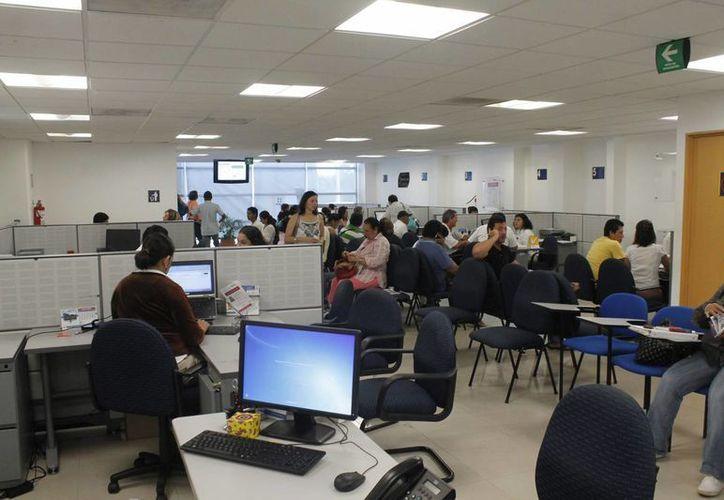 El Servicio de Administración Tributaria recibe las declaraciones a través de internet. (Israel Leal/SIPSE)