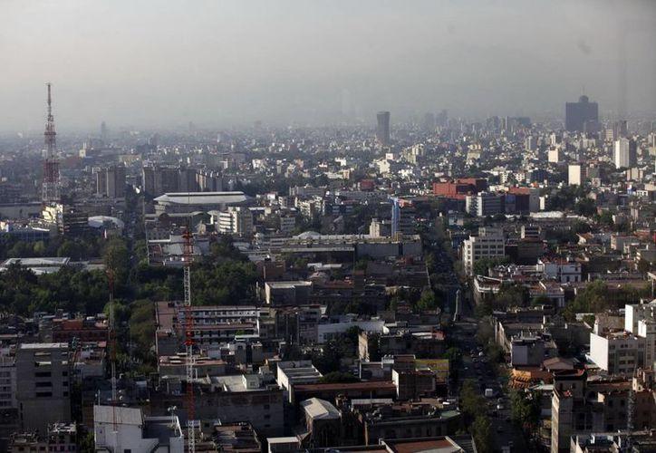 La clase media en 2010 ascendía a 50.1 por ciento de la población mexicana. (Archivo/Notimex)