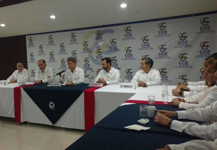 Rueda de prensa, en la que el nuevo presidente del CCE, Gustavo Cisneros Buenfil, habló de la estrategia de trabajo que utilizará. (Candelario Robles/Milenio Novedades)