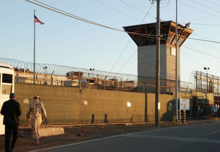 Vista de la entrada al campamento VI de la Base Naval de Guantánamo. (Archivo/EFE)