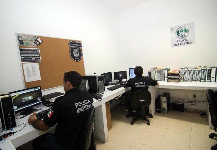 La Policía Cibernética de la Fiscalía General del Estado vigila que no haya fraudes por Internet. (Milenio Novedades)