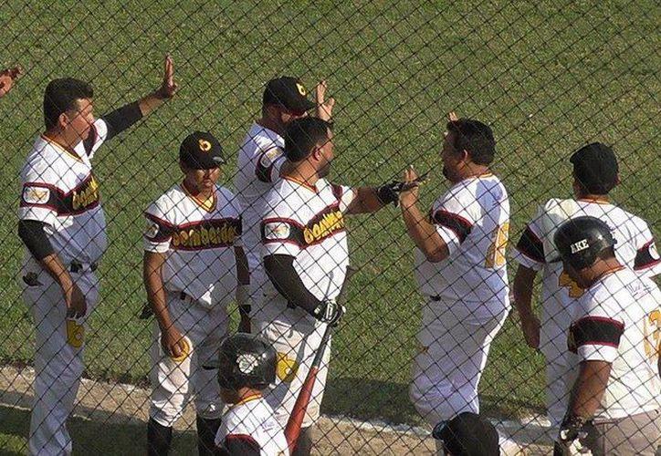 Los Bombardeos reciben este domingo a los Tigres de Dzilám González, ya en la mitad de temporada de la Liga de Beisbol Naxón Zapata. (Archivo Milenio Novedades)