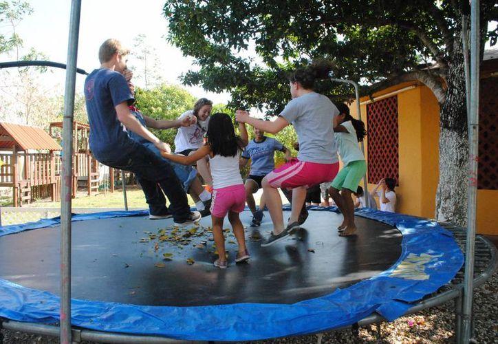 Los jóvenes participaron en diversas actividades. (Eric Galindo/SIPSE)
