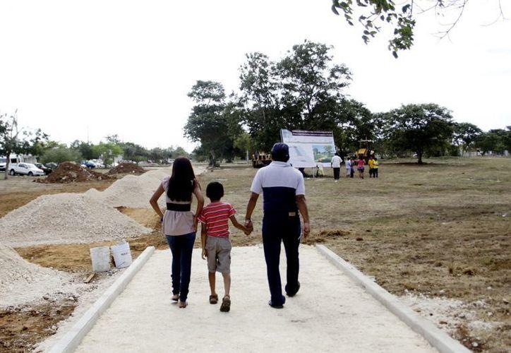 Apenas inician los trabajos y el parque metropolitano recibió ayer a las primeras familias. (SIPSE)