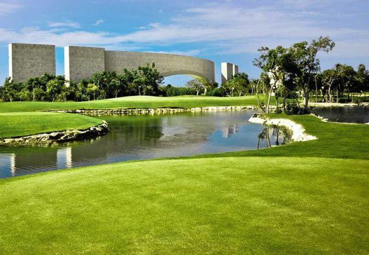 En Riviera Maya se creó un campo de golf sobre un cenote, que podría contaminar el agua. (Foto de ilustrativa/SIPSE)