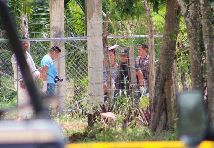 El cuerpo quedó tirado cerca de la motocicleta en la que se dirigía a Xul-Ha. (Redacción/SIPSE)