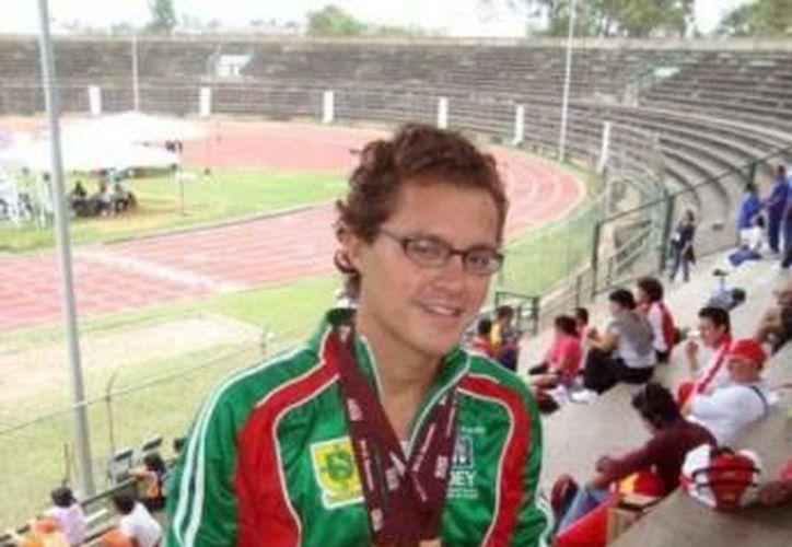 Miguel Aguilar practica atletismo desde los 14 años de edad. (SIPSE)