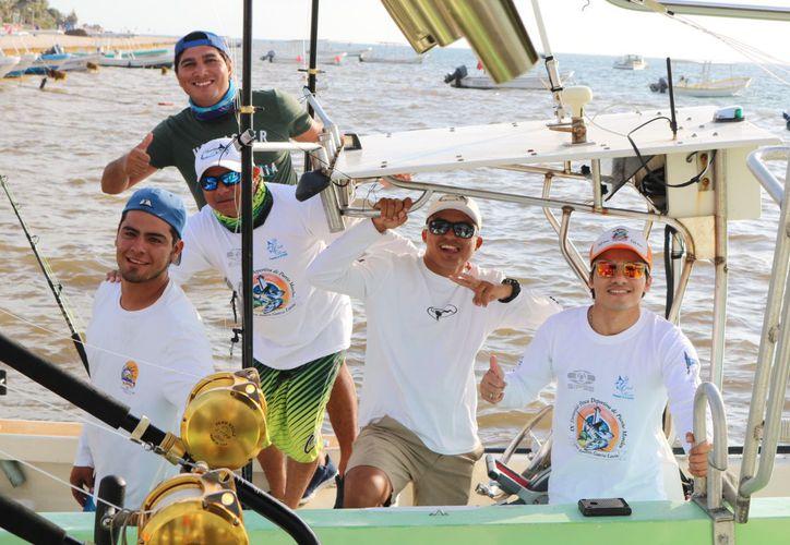 Las embarcaciones en el primer día de competencia tendrán que llegar al muelle a partir de las 14:30 horas. (Juan Pablo Limón/SIPSE)