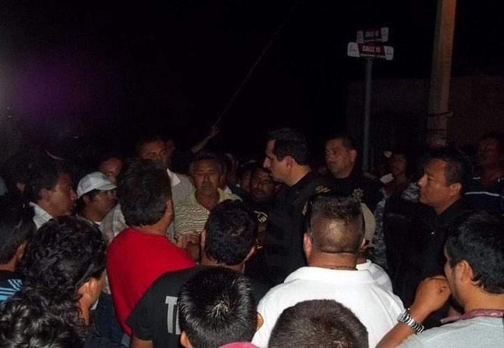 Pescadores de Dzilam de Bravo denunciaron que el alcalde Pedro Castillo Reyes se negó a atenderlos. (SIPSE)