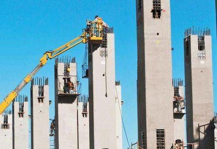 La inversión en infraestructura en México será en 2014 de 849 mil mdp, osea, 14% más que en 2013. (Milenio)
