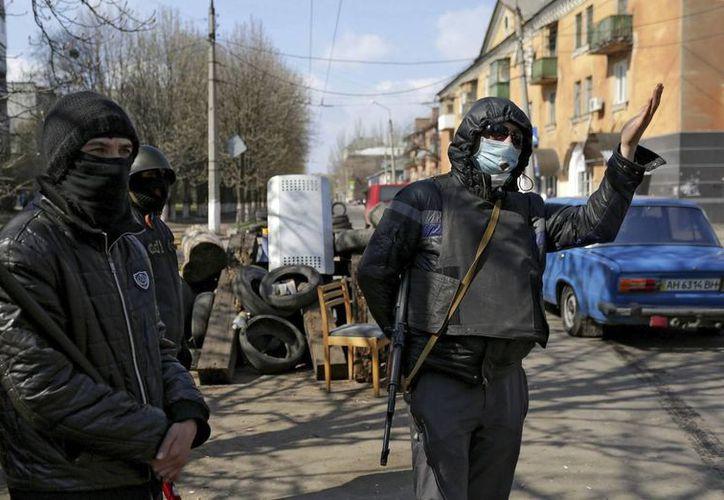 EU cree que Rusia influye en el comportamiento de los manifestantes prorrusos. (EFE)