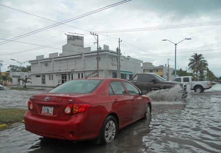 Además de millonarias pérdidas, el año pasado los huracanes que golpearon México cobraron más de 20 vidas. (SIPSE/Contexto)