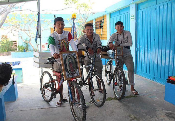 Esta mañana llegaron los primeras peregrinos guadalupanos a Chetumal. (Daniel Tejada/SIPSE)