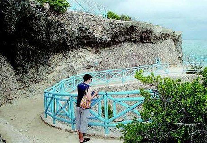Punta Sur en Isla Mujeres, y la cultura maya, forman parte del turismo natural, de aventura y cultural. (Redacción/SIPSE)