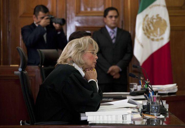 Sánchez Cordero: la detención de Cassez demuestra graves violaciones a sus derechos, pues hubo un montaje televisivo. (Agencias)