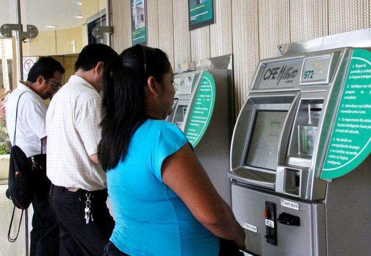 En Puerto Morelos bajaron las tarifas eléctricas en beneficio de la ciudadanía. (Jesús Tijerina/SIPSE)
