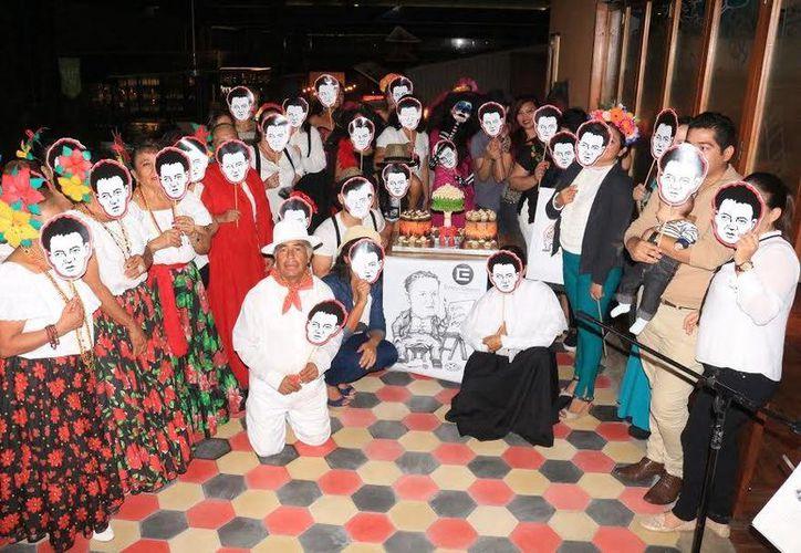 Al final los participantes se unieron para la fotografía del recuerdo. (Adrián Barreto/SIPSE)
