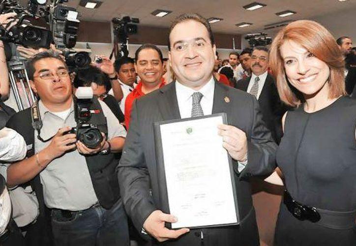 La demanda de garantías quedó registrada en el Juzgado Sexto de Distrito de Amparo en Materia Penal. (Plumas libres)