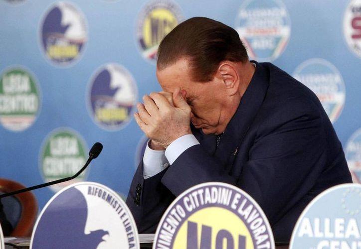 El exprimer ministro italiano Silvio Berlusconi en una rueda de prensa en Roma, Italia, el pasado mes de febrero. (EFE)