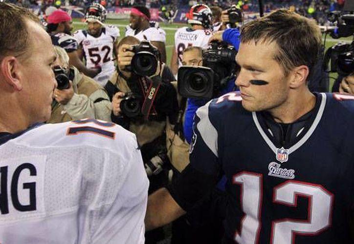 Tom Braddy le ha ganado en nueve ocasiones a Peyton Manning. (Foto: Agencias)