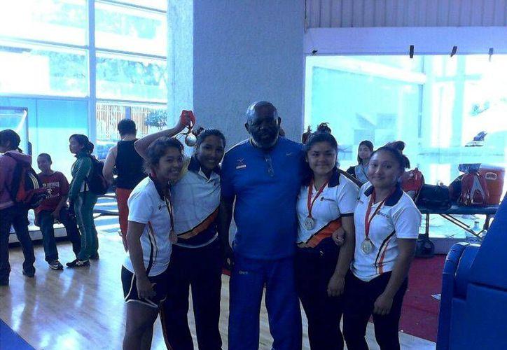 El equipo refleho el trabajo del entrenador, Silvio Amado Mitchell Rengifo. (Redacción/SIPSE)