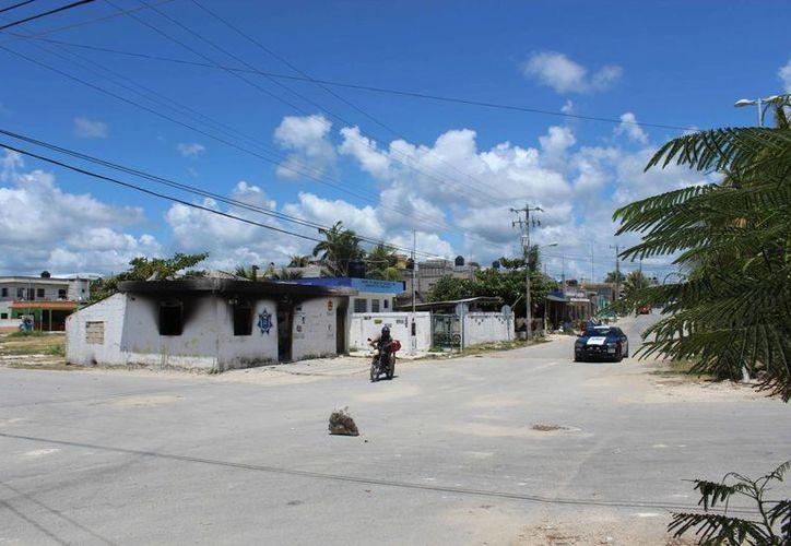 La delegación fue incendiada el pasado 29 de mayo, luego de enfrentarse la policía municipal con los habitantes de ese poblado. (Sara Cauich/SIPSE)