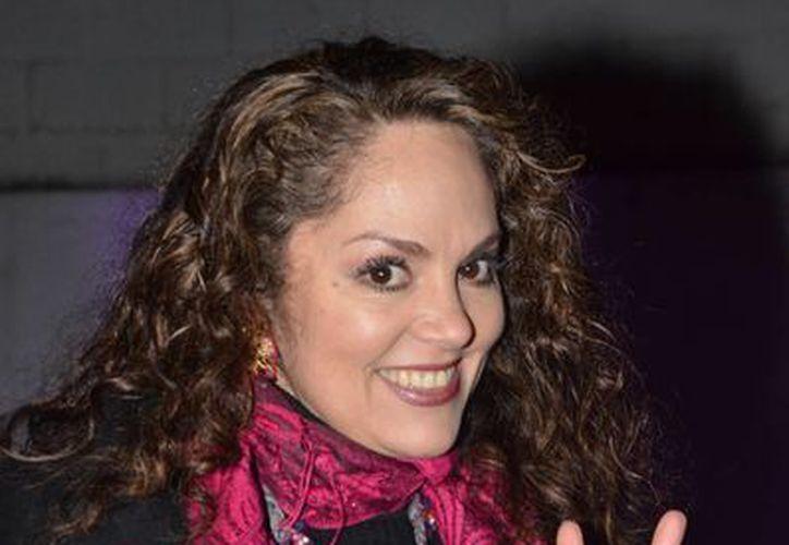 A sus 45 años, Tatiana luce jovial y siente que no ha pasado el tiempo desde aquella época en la que cantaba 'Chicas de hoy'. (Notimex)