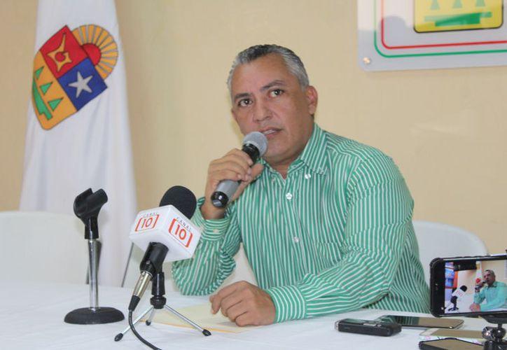 El diputado Carlos Mario Villanueva Tenorio, presidente de la Comisión Especial y Temporal para la revisión de los requisitos de las personas propuestas, dijo que mañana se comenzará con en análisis de las propuestas.  (DanieL Tejada/SIPSE)