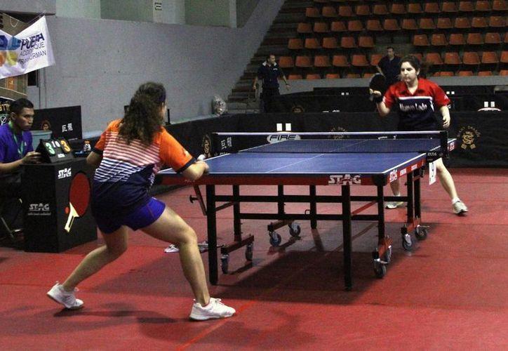 Las clasificatorias se realizaron en el  polifuncional del complejo deportivo Mario Vázquez Raña. (Rafael Acevedo/SIPSE)