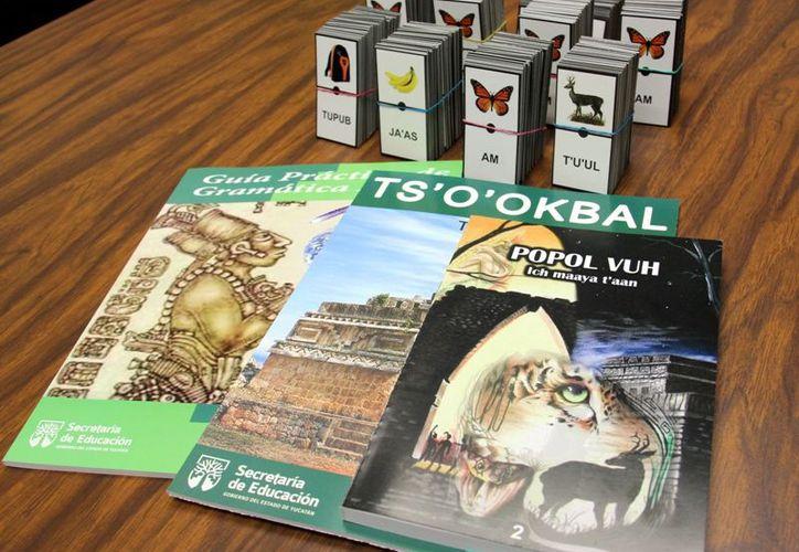 Los libros en maya ya se habían repartido en años anteriores como parte de un plan piloto. (Archivo/Gobierno del Estado)