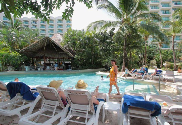 Los hoteles asociados de la isla de Cozumel reportaron al cierre del 13 de abril una ocupación alta. (Gustavo Villegas/SIPSE)