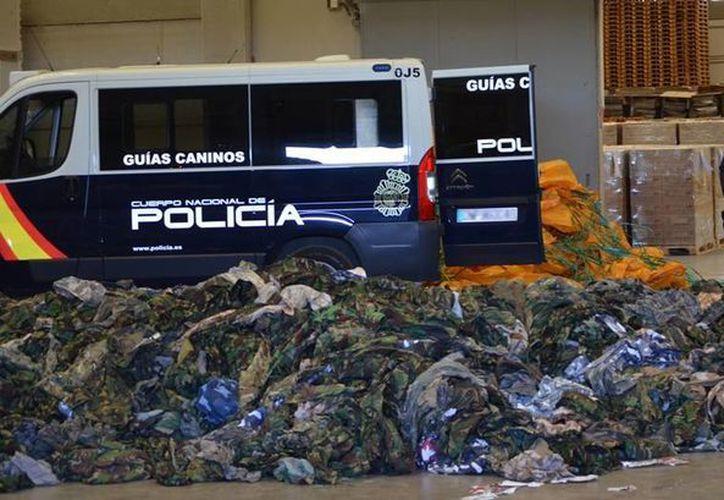 La Policía Nacional de España dijo que las prendas serían enviadas a miembros del Estado Islámico y el Frente Nusra. (interior.gob.es)