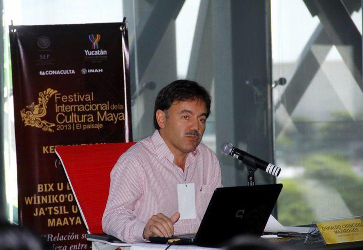 Oswaldo Chinchilla ofreció interesante conferencia. (Juan Albornoz/SIPSE)