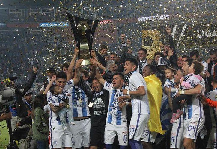 Pachuca obtuvo el título de Liga de Campeones de Concacaf, tras vencer 2-1 a Tigres. (Foto: Internet)