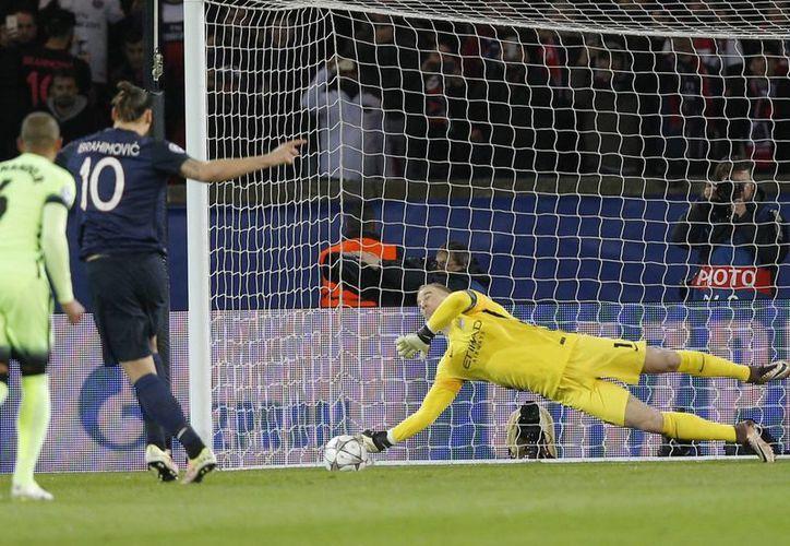 El PSG no pudo sacar la ventaja en la ida de los cuartos de final al empatar en el Manchester City este martes en Champions League. (AP)