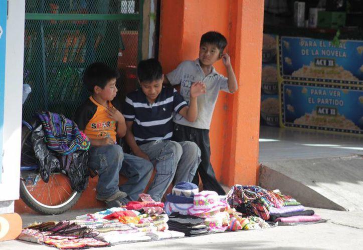 La mayor parte de casos se da en la ciudad Playa del Carmen, a pesar de convenios que se firman entre las empresas y el gobierno para que los menores tengan la posibilidad de seguir desarrollándose. (Ernesto Neveu/SIPSE)
