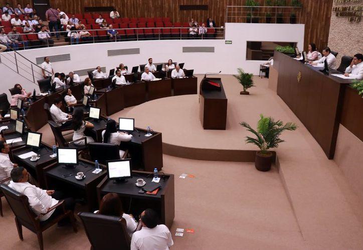 Ayer, la sesión plenaria inició con media hora de retraso. (Foto: Jorge Acosta/ Milenio Novedades)
